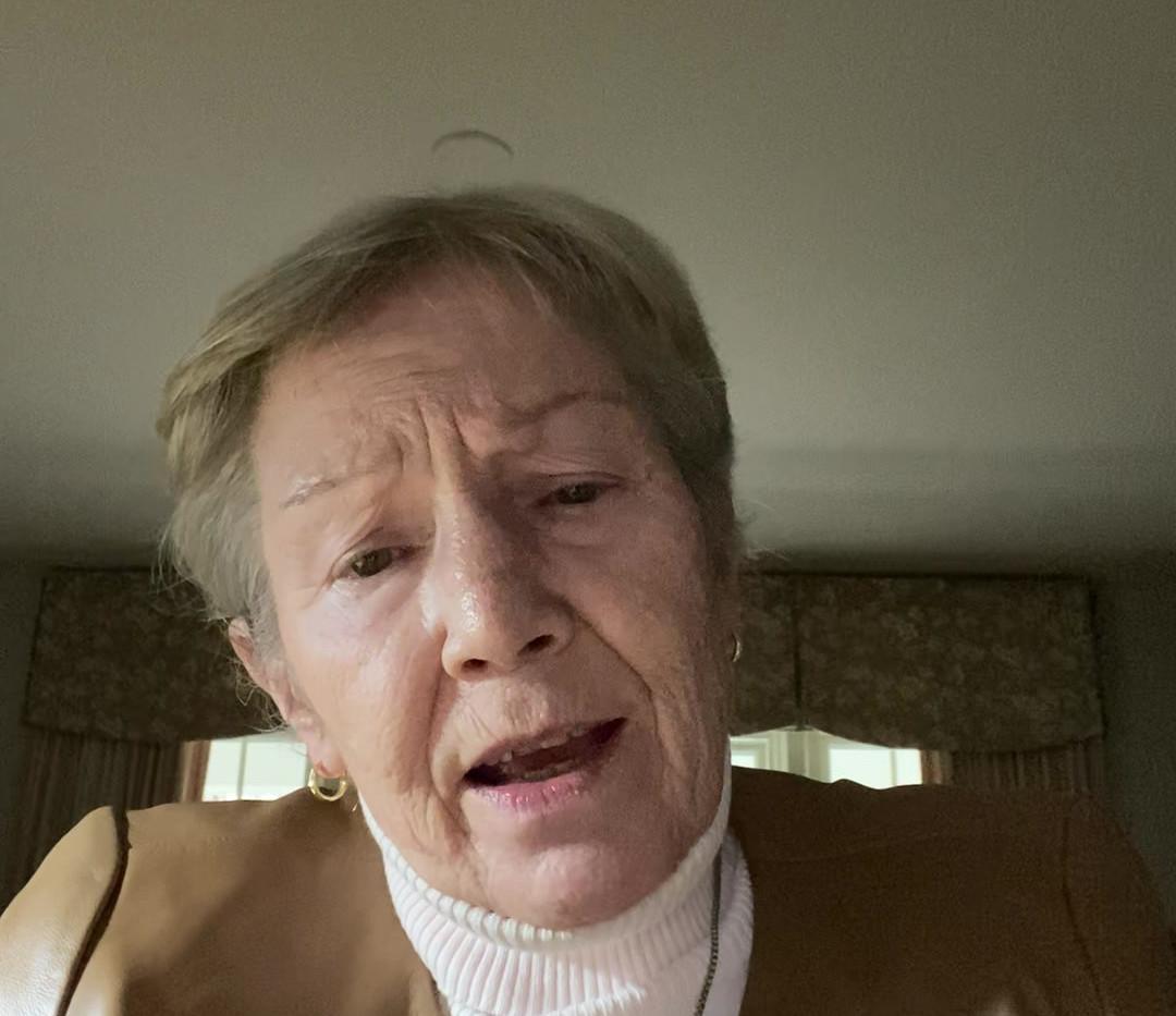 Mary Ellen lynch - IMG_8568.MOV