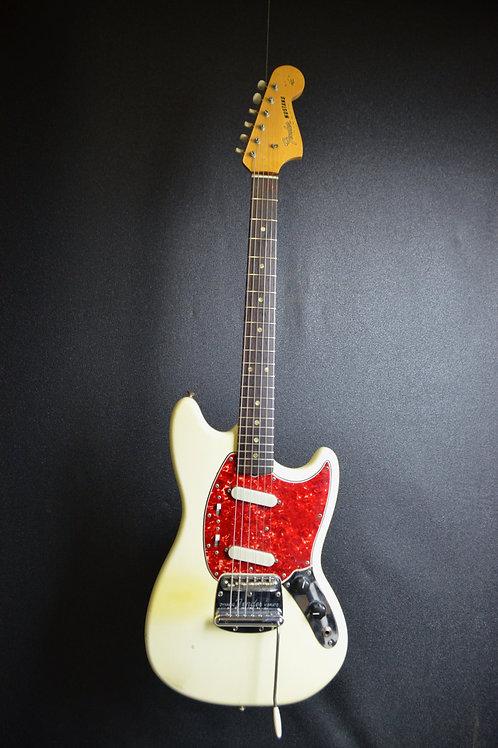 1965 Fender Mustang-white