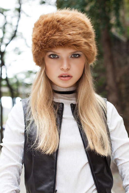 fashion Karolina Zmarlak makeup editorial
