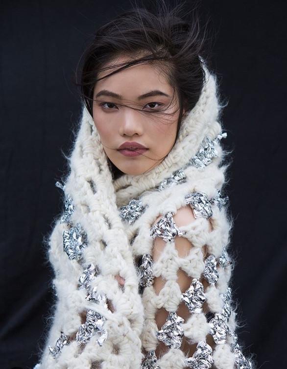 Yu Zhang's makeup artist