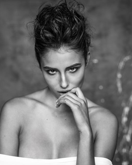 phillipe regard photoshoot with dunia makeup artist