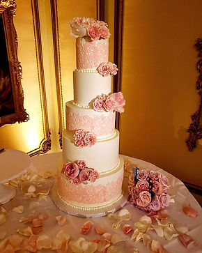 Gorgeous buttercream lace cake with fres