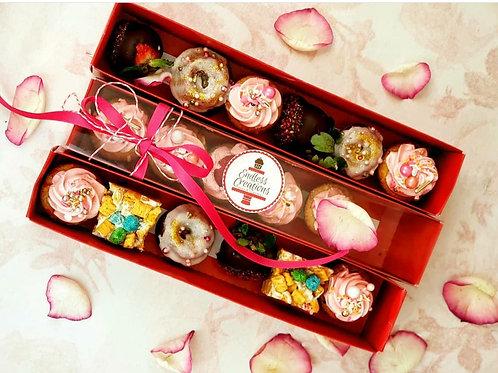 Dipped Strawberries & mini donuts sleeve box