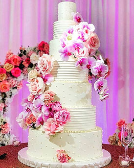 7 tier beauty _All buttercream in a smoo