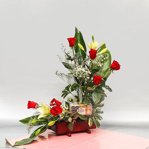 Arreglo de 7 rosas y 2 lirios