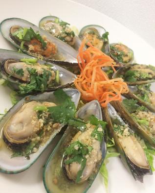 Garlic butter mussels
