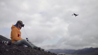 Parrot - Alex in Islande - Influenceur