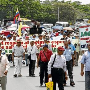 DOCENTES DE SINCELEJO PROTESTARON EXIGIENDO RETROACTIVOS