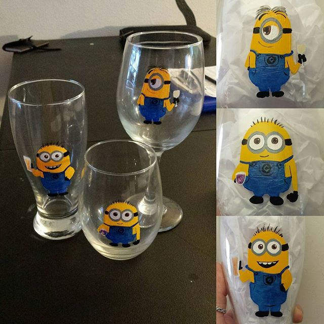 Minion glass set