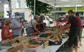 marché_de_virieu_le_grand_2.jpg