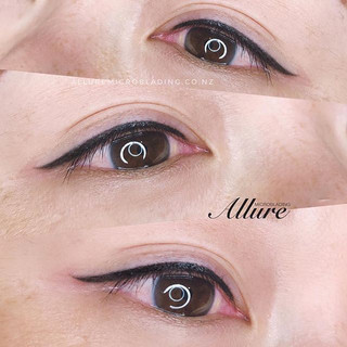 Winged eyeliner tattoo. 👁👁 ._Done by a