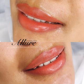 Lip tattoo. 💋🍑 Love the peachy colour