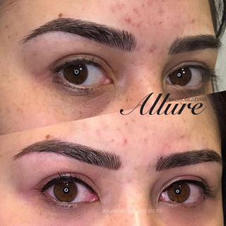 Eyeliner semi-permanent tattoo. Those go