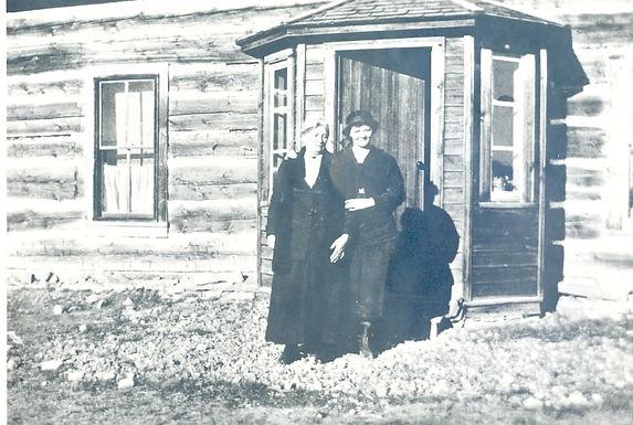 Women outside Waldron Ranch House
