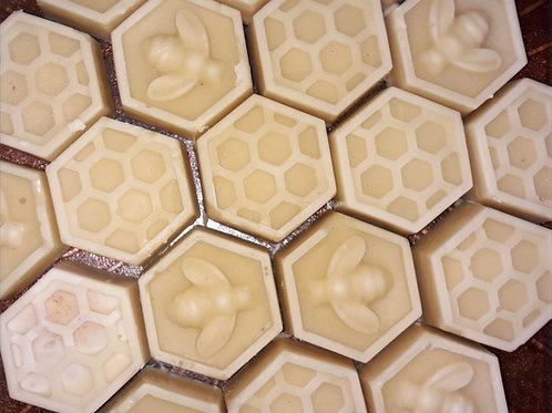 Beeswax antiwrinkle and moisturizer bar