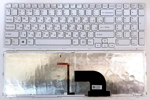 Клавиатура для ноутбука Sony Vaio E15, SVE15 белая с рамкой, с подсветкой