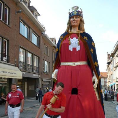géante Reine Tournai