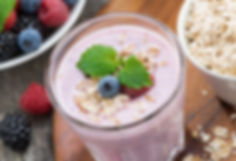 BodyDesignbyWendy Berry and Oat Protein Smoothie