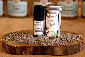 lavender-essential-oil-ladrome.jpg