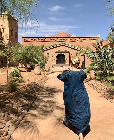 Anna Monique Kwiecinska in Sahara, Morocco