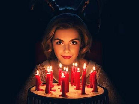 Chilling Adventures of Sabrina - Un serial cu vrajitoare pentru amatorii de sange in coltul gurii.