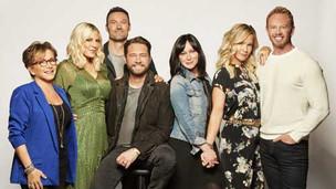 Dupa 20 de ani, Beverly Hills 90210 loveste din nou!