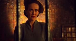 """Ratched - Povestea asistentei sefe din celebrul roman """"Zbor deasupra unui cuib de cuci"""""""