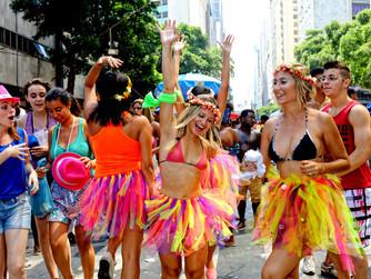 Neste carnaval, brinque e hidrate-se!