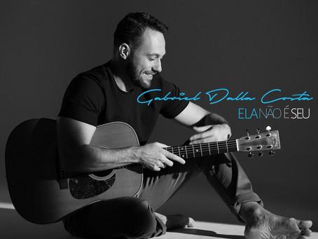 Edição limitada do álbum de Gabriel Dalla Costa chega na Livraria Bamboletras