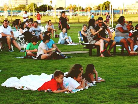 Boulevard Laçador realiza sessão de cinema ao ar livre