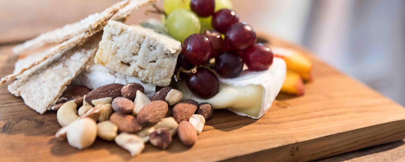 Kulinarische Erlebnisreise Käse NüssePlatte