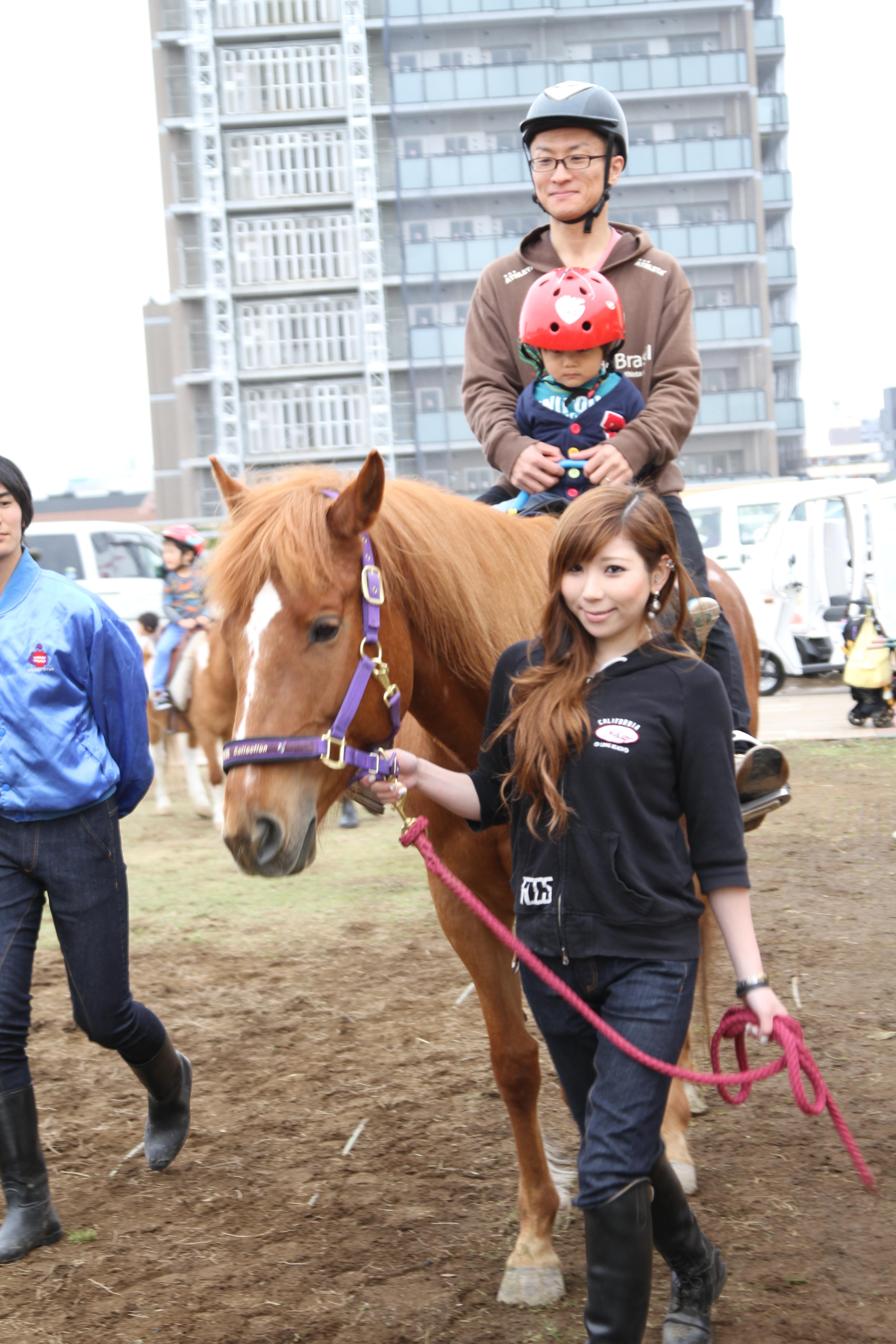 馬を扱う専門スタッフが必ず対応します。