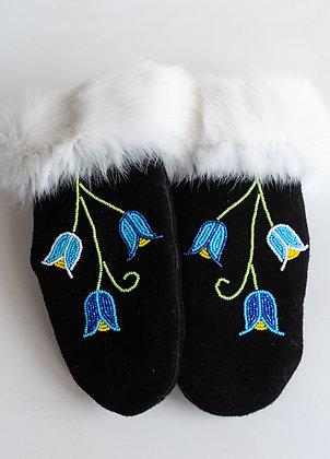 Women's beaded deer skin mitts