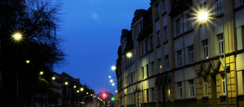 Schwerin - Moderne Lichttechnik trifft auf traditionsreiche Straße