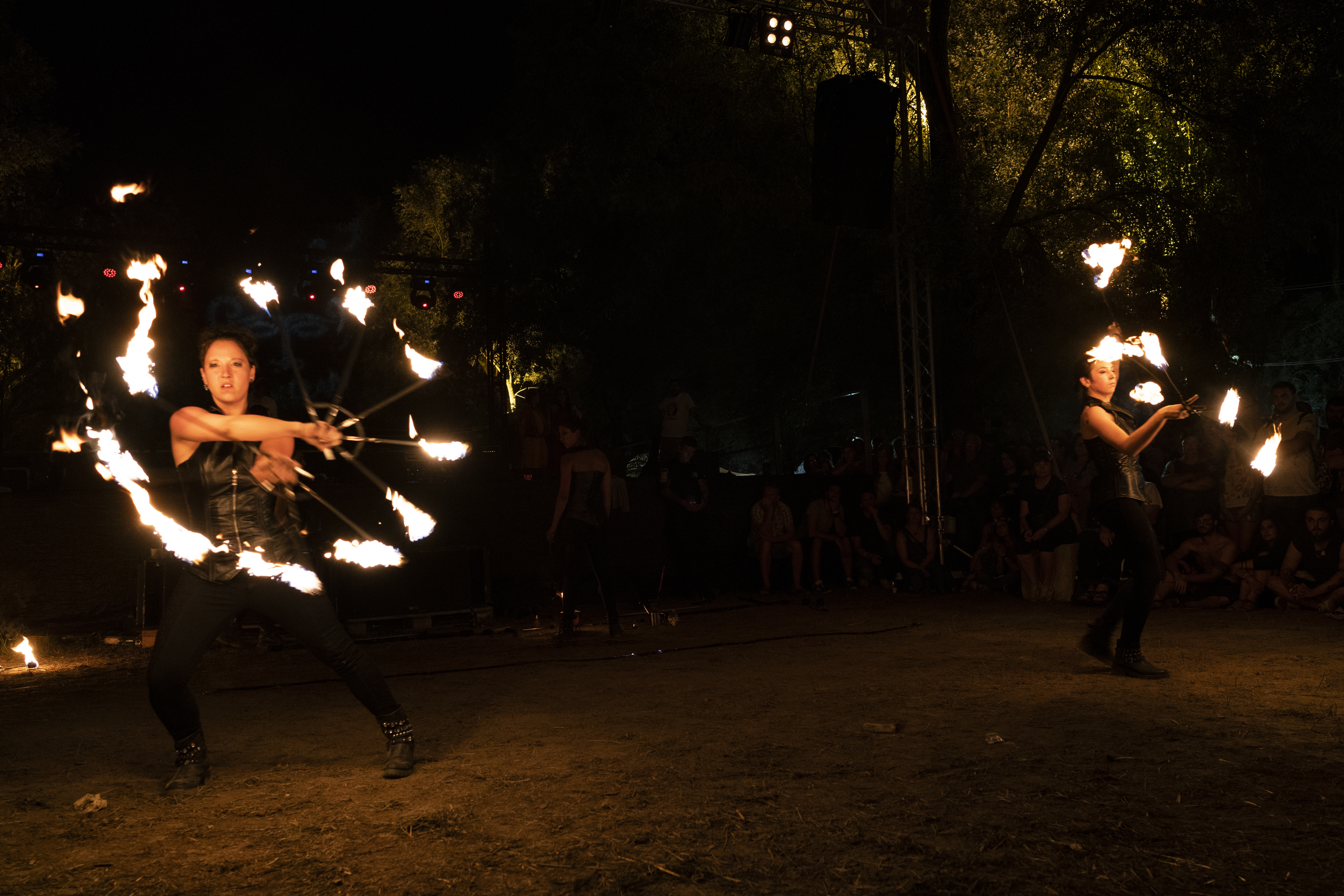 strie fire show fuoco