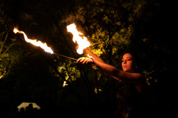 strie fire show - mangiafuoco