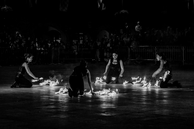 strie fire show spettacolo