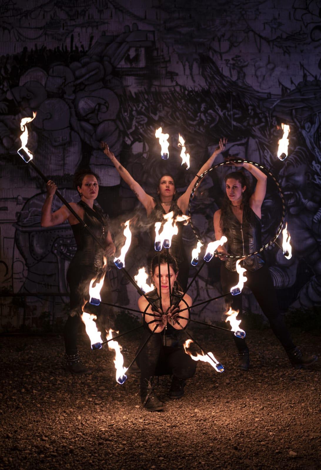 strie fire show gruppo