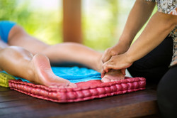 foot massage with oil