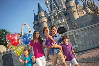 Disney_family.jpg