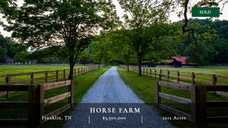The Horse Farm is a gorgeous 221± acre equestrian farm located just minutes from Nashville and Franklin, Tennessee, near the charming community of Leiper's Fork. The property offers the best of both worlds – the serenity of a peaceful country setting and the ease of access to the amenities of metropolitan areas.