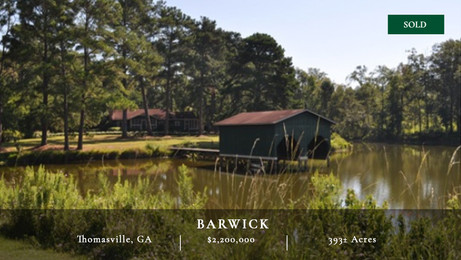 393± acres of wild quail hunting grounds located in Thomasville, Georgia.  Two impressive duck impoundments as well as two dove fields.  Thirty two acres worth of bass fishing waters.