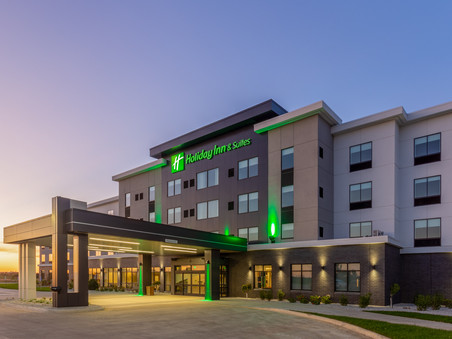 Holiday Inn & Suites