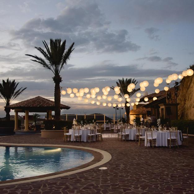 Wedding Chicks Feature: Destination Wedding in Cabo