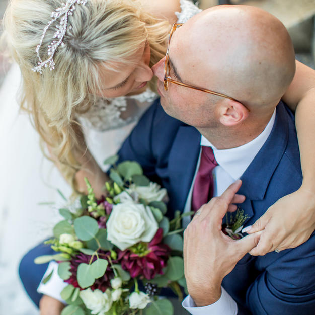 LoveStories.TV Feature on LeighAnn and Nate