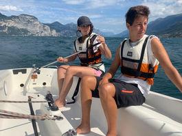 Allievi corso vela adulti deriva estate lago di garda circolo nautico brenzone
