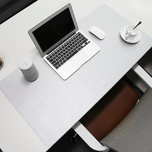 Table protection & mouse mat - Bli inte kall när du jobbar.