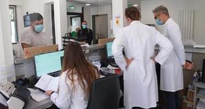 """France: les tests rapides """"antigéniques"""" officiellement autorisés"""