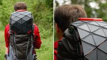 Un panneau solaire pliable pour sac à dos