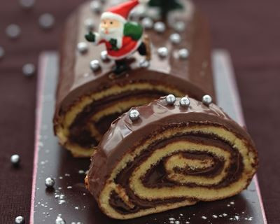 Bûche de Noël roulée traditionnelle au Nutella